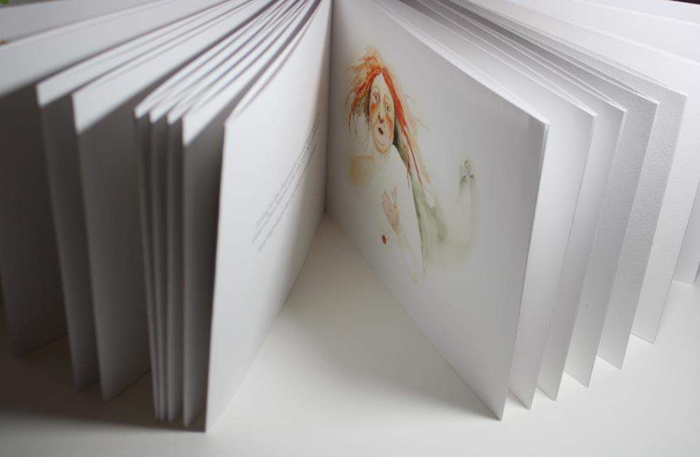 Beekeeper Book | Layla Holzer 2013