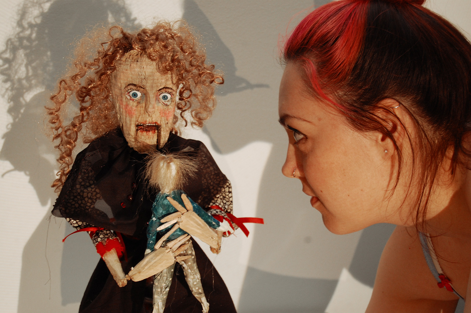 Lady Libertine by Layla Holzer puppetry video